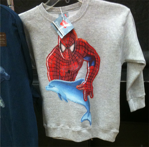 Spiderman liebt Delfine
