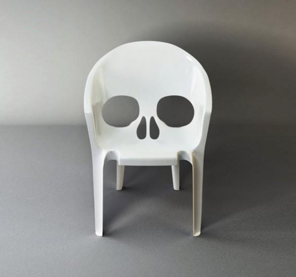 Skull Pool Plasticchair