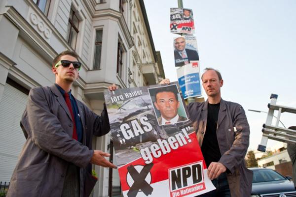 Die Partei basht die NPD in Berlin