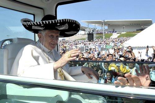 Papst mit Sombrero