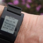 Pebble Armbanduhr mit E-Mail Benachrichtigung