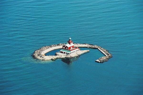 Leuchtturm mit kleiner Insel kaufen