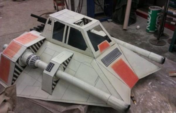 Star Wars Snowspeeder Schlitten