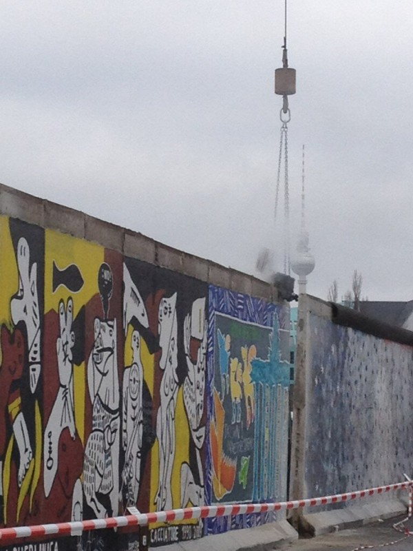 Abriss der East Side Gallery in Berlin
