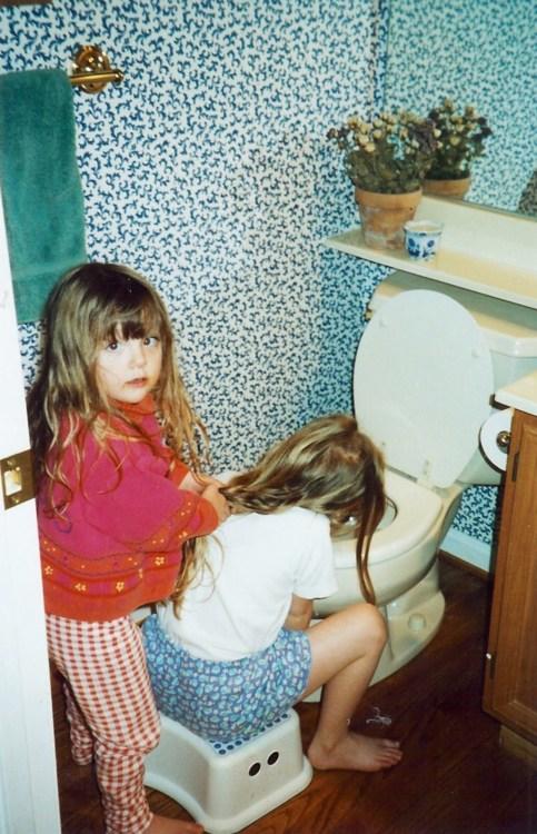 Haare halten beim Kotzen