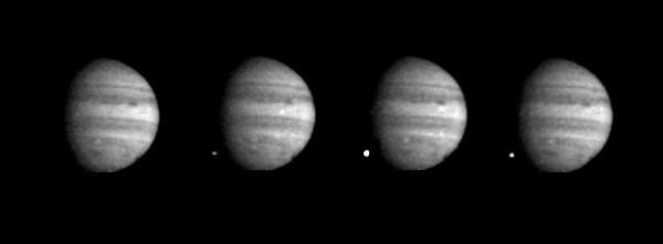 Shoemaker-Levy 9 schlägt in Jupiter ein