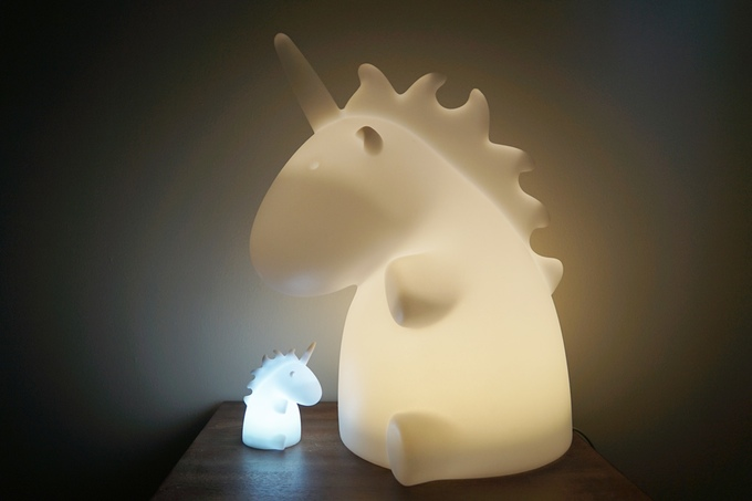giant unicorn lamp einhorn lampe. Black Bedroom Furniture Sets. Home Design Ideas