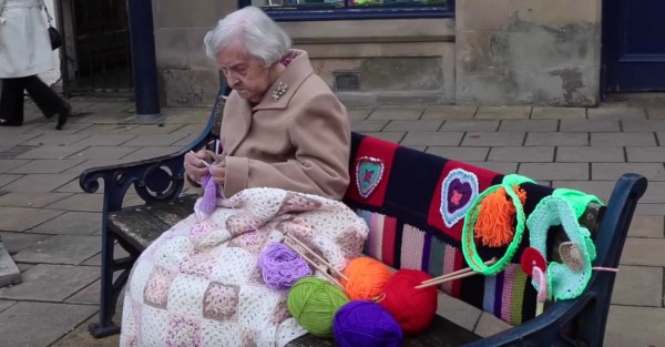 Yarn Bomber - Guerilla Knitting