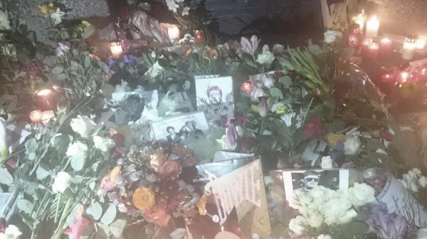 Vor dem Haus wo David Bowie lebte