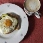 Schleckermäulchen isst Eier